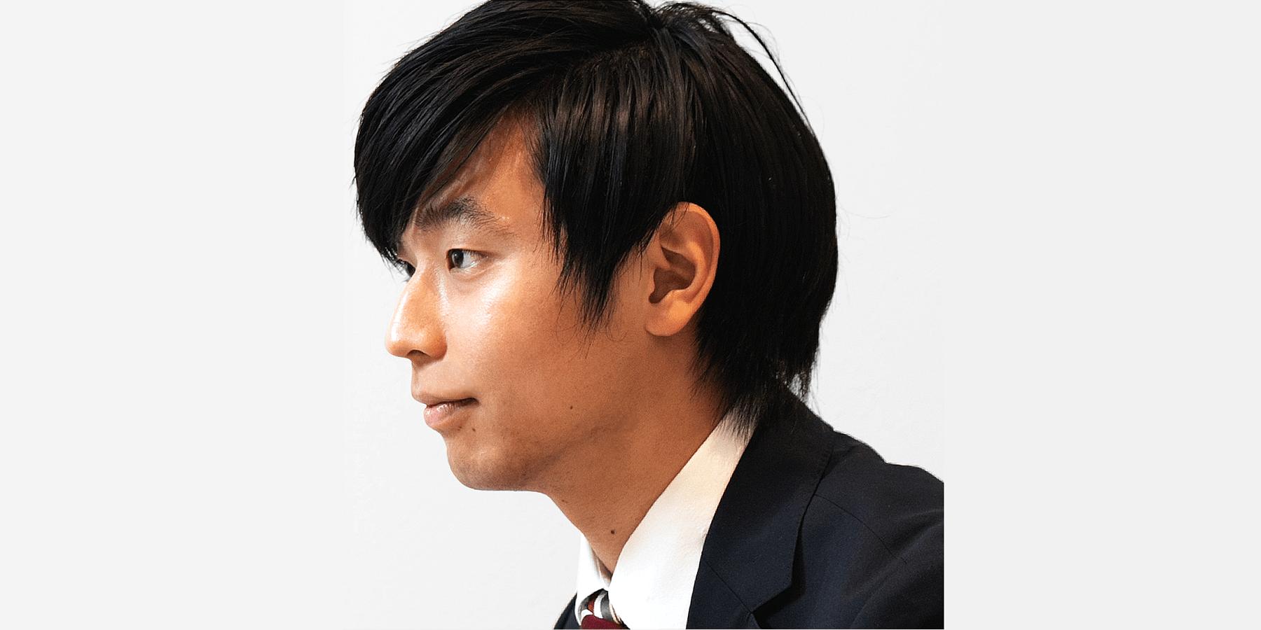【写真】若い男性エンジニアの横顔